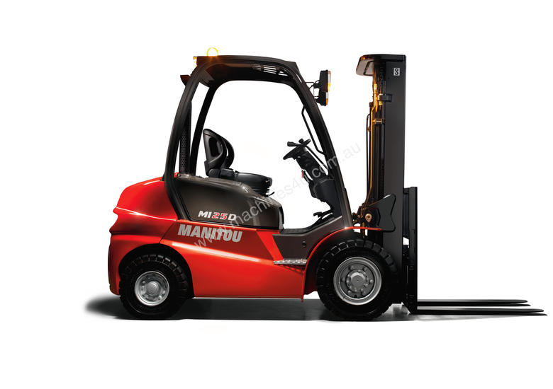 IN STOCK - NEW MANITOU 2.5T DIESEL FORKLIFT