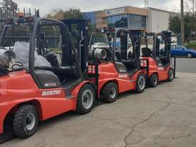 IN STOCK - NEW MANITOU 2.5T DIESEL FORKLIFT - picture16' - Click to enlarge