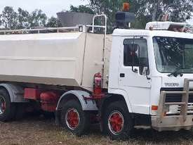 Volvo 19,000ltr Water Truck, ready to work.  E.M.U.S. TS479 - picture0' - Click to enlarge