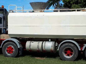 Volvo 19,000ltr Water Truck, ready to work.  E.M.U.S. TS479 - picture1' - Click to enlarge