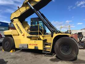 9.0T Diesel Reachstacker - picture0' - Click to enlarge