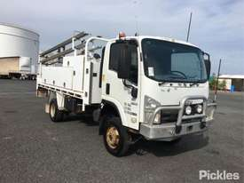 2011 Isuzu NPS300 - picture0' - Click to enlarge