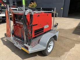 Lincoln Electric Weldanpower 350+ Welder and generator 3 phase. Trailer Included - picture2' - Click to enlarge