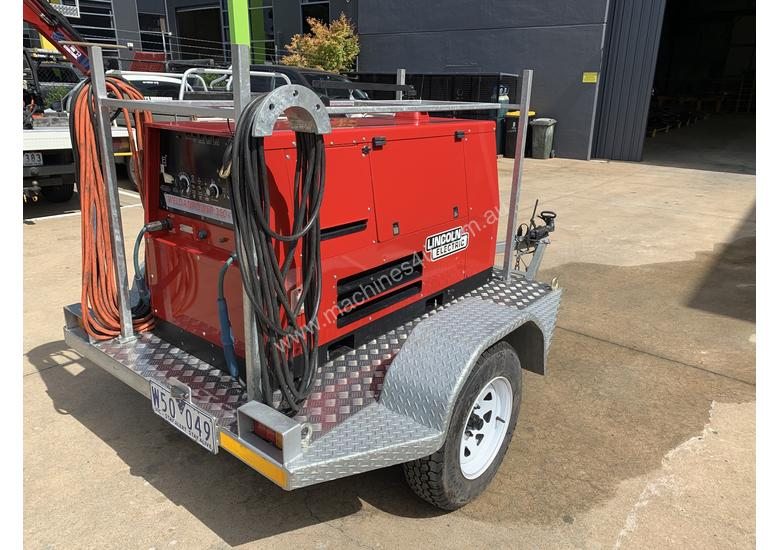Lincoln Electric Weldanpower 350+ Welder and generator 3 phase. Trailer Included