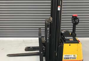 1.4T Battery Electric Walkie Reach Stacker