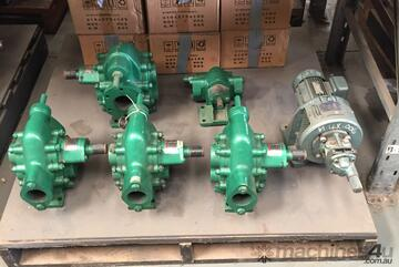 Gear Oil Pumps (55l/m) suitable for transporting liquids without solid particles or fibres