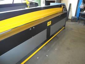 2470mm x 3mm 240v Australian hydraulic guillotine - picture0' - Click to enlarge