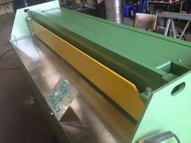 2470mm x 3mm 240v Australian hydraulic guillotine - picture10' - Click to enlarge