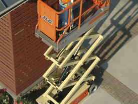JLG 1930ES Scissor Lift - picture10' - Click to enlarge