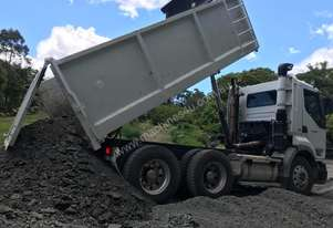 MACK,TANDEM DRIVE TIPPERS FOR HIRE