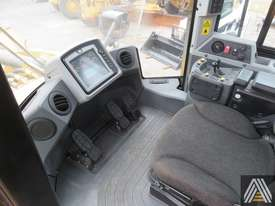 2014 CATERPILLAR 980K WHEEL LOADER - picture13' - Click to enlarge