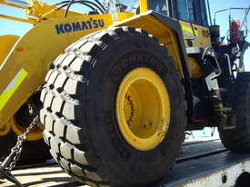 Front end loader for sale - picture1' - Click to enlarge