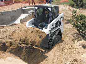 T110 Compact Track Loader - picture0' - Click to enlarge