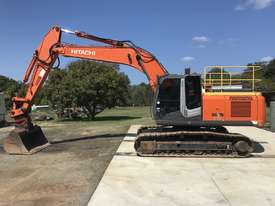 Hitachi ZX240-3 Excavator - picture0' - Click to enlarge