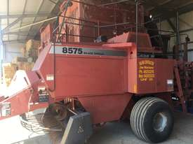 Case 8575 Hay Baler - picture0' - Click to enlarge