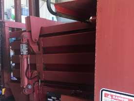 Case 8575 Hay Baler - picture2' - Click to enlarge