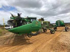 John Deere D450 Windrowers Hay/Forage Equip - picture2' - Click to enlarge