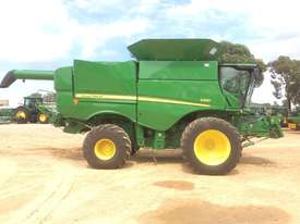 John Deere S680 Header(Combine) Harvester/Header - picture2' - Click to enlarge