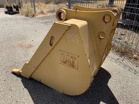 CAT 428B BACKHOE BUCKET - picture2' - Click to enlarge