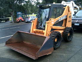 465 series 3 , 160 hrs , ex mines ,  ac cabin , solid tyres , - picture0' - Click to enlarge