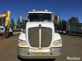 2011 Kenworth T403 - picture1' - Click to enlarge