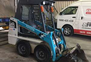 TOYOTA 4SDK4 skid steer with low hours in excellent condition.