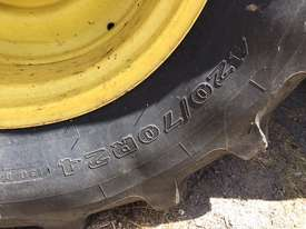 John Deere 6105M FWA/4WD Tractor - picture2' - Click to enlarge