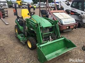 2017 John Deere 1025R - picture0' - Click to enlarge