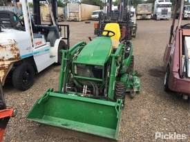 2017 John Deere 1025R - picture1' - Click to enlarge