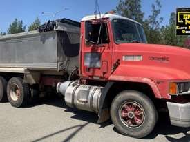 1993 Mack Fleetliner Tipper, only 148k km�s. E.M.U.S. TS550 - picture0' - Click to enlarge