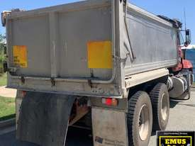 1993 Mack Fleetliner Tipper, only 148k km�s. E.M.U.S. TS550 - picture2' - Click to enlarge