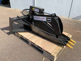 Ex-Show Skid Steer Stump Bucket Grapple - picture0' - Click to enlarge