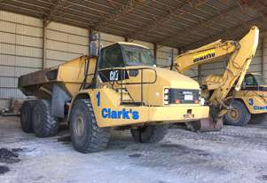 Caterpillar CAT 740 DUMP TRUCK