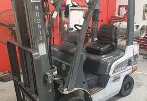 Nissan 1800kg LPG Forklift with 4300mm Three Stage Container Mast
