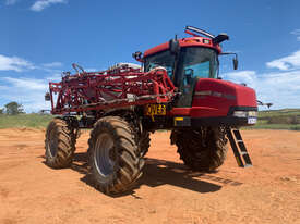 CASE IH 4420 Boom Spray Sprayer - picture0' - Click to enlarge