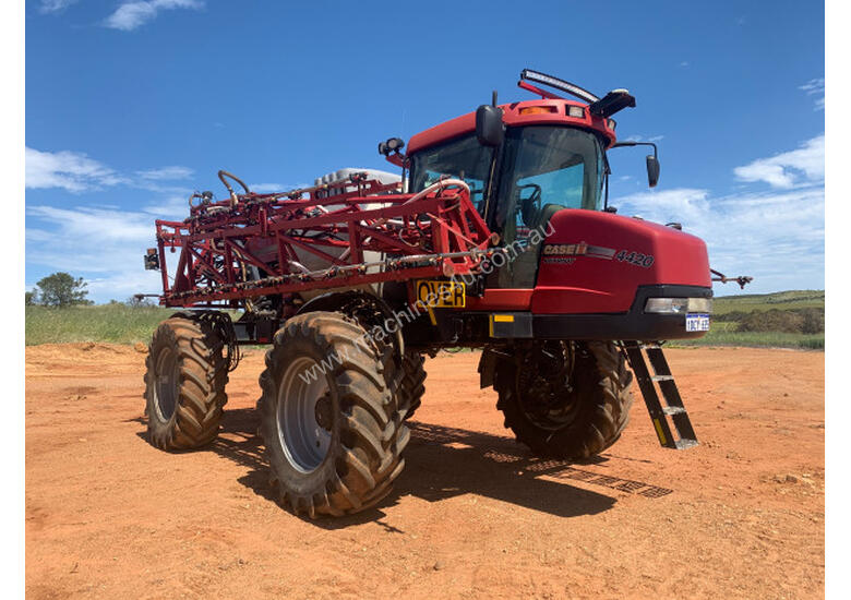 CASE IH 4420 Boom Spray Sprayer