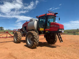 CASE IH 4420 Boom Spray Sprayer - picture1' - Click to enlarge