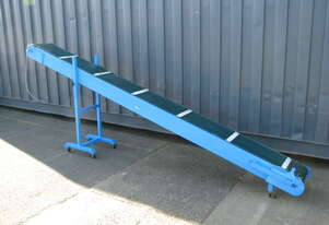 Incline Belt Conveyor - 3.1m long