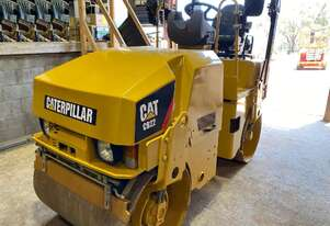 2011 CATERPILLAR CB22 2.5T Smooth Drum