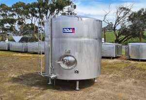 4,500lt STAINLESS STEEL TANK, MILK VAT