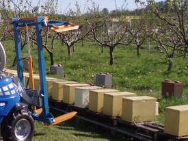 Bee Hive Handler - Bee Hive Lifter  - picture2' - Click to enlarge