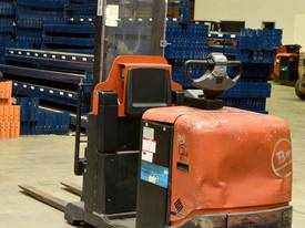 2007 BT-TOYOTA OSE120CB ORDER PICKER  - picture2' - Click to enlarge