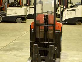 2007 BT-TOYOTA OSE120CB ORDER PICKER  - picture3' - Click to enlarge