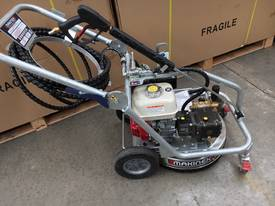 Makinex Duel Pressure washer 2500PSI Petrol
