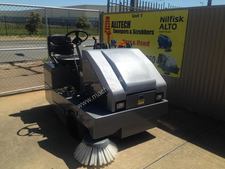 Used Nilfisk Sweepers for sale - Nilfisk SR1600 Battery powered ...