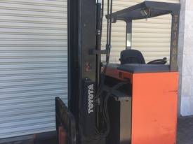 Toyota Sit down Reach Forklift   - Orange