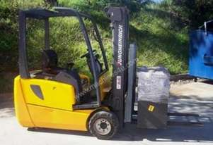 3 WHEEL BATTERY ELECTRIC FORKLIFT