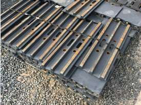 Grouser plates 30 tonne excavator for sale - picture0' - Click to enlarge