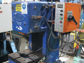 JAM 5 Tonne Press - picture1' - Click to enlarge
