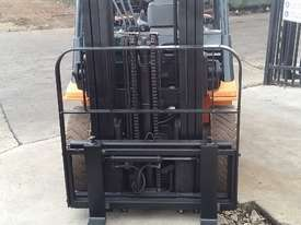 Toyota Forklift 7FG25 Container Mast 4.3m Lift 2.5ton Great Value - picture3' - Click to enlarge